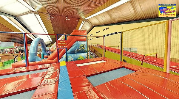 Family Paradise - Trampolin Anlage